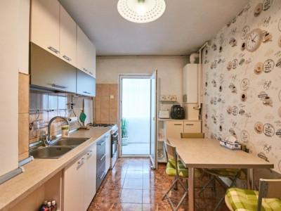 Apartament 3 camere strada Calea Floresti