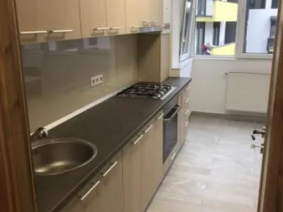 Apartament de 3 camere zona Piata Abator