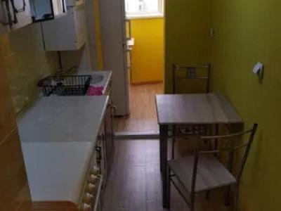 apartament 2 camere, decomandat, zona Sirena