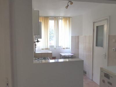 Apartament 1 camera strada Primaverii