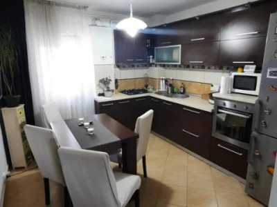 Apartament 2 camera strada Padin