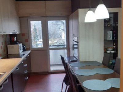 Apartament 3 camere confort sporit, strada Donath