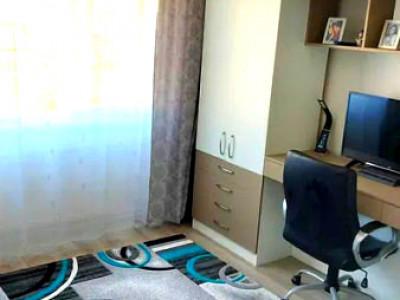 Apartament decomandat strada Bucegi