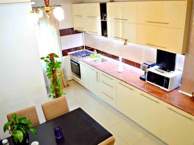 Apartament 3 camere finisat, mobilat strada N.Titulescu