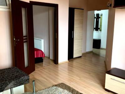 Apartament living cu bucatarie, dormitor, in apropiere de Piata Mihai Viteazu