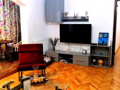 Apartament 3 camere finisat strada Bucium