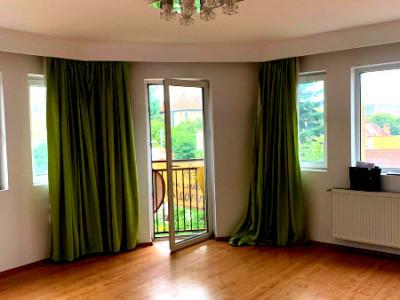 Apartament 2 camere decomandat imobil nou zona Liceului Avram Iancu