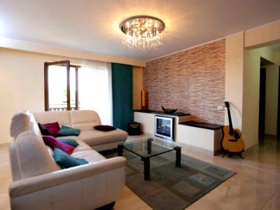 Apartament 3 camere  zona Grand Hotel Italia, Buna Ziua